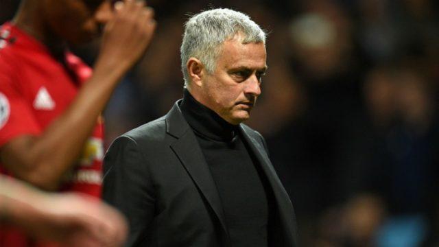 Jose Mourinho Berdalih Kalah Karena Minus Marouane Fellaini