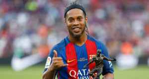 Kisah Tragis Ronaldinho Yang Nyaris Bangkrut