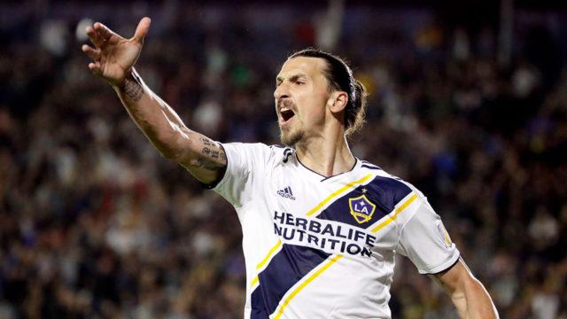 LA Galaxy Pertahankan Zlatan Ibrahimovic