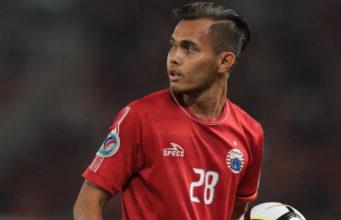 Rezaldi Hehanussa Berpeluang Main Lawan PSM Makassar