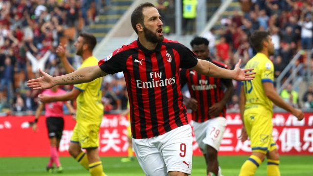AC Milan Enggan Permanenkan Gonzalo Higuain, Lampu Hijau Bagi Chelsea
