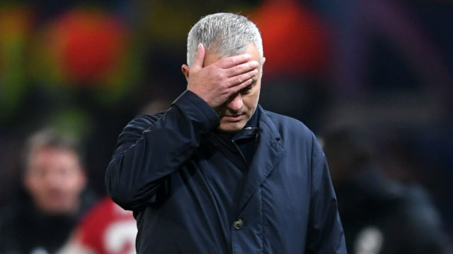 Manchester United Pecat Jose Mourinho
