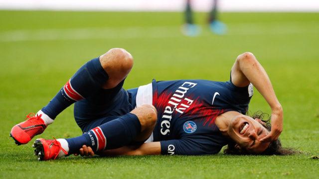 Edinson Cavani Diragukan Tampil Versus Manchester United