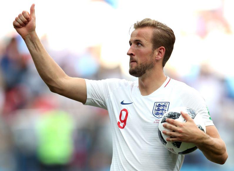 Harry Kane Dengan Seragam Tim Nasional Sepakbola Inggris