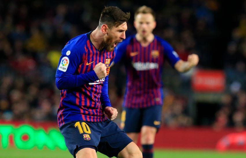 Lionel Messi merayakan gol bersama Barcelona FC