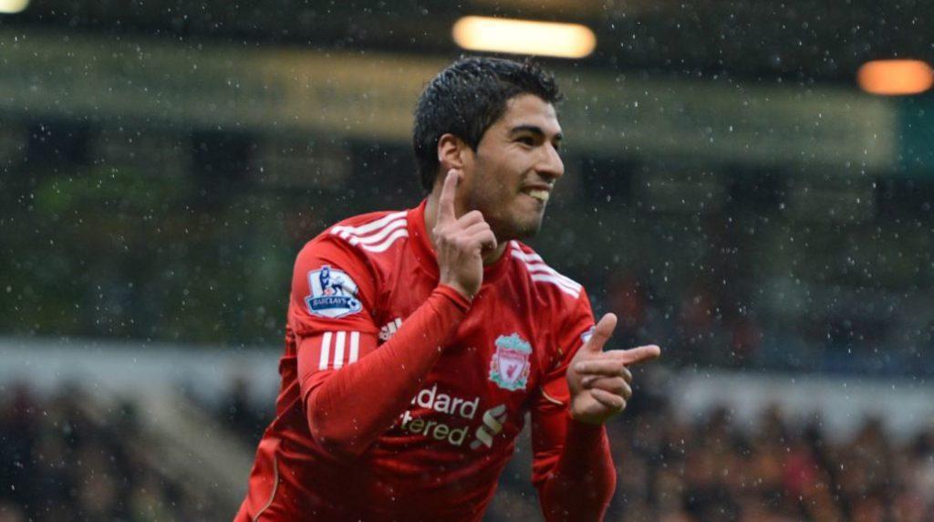 Luis Suarez Dengan Seragam Liverpool FC
