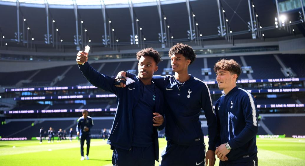 Selfie di Stadion Baru Tottenham Hotspur