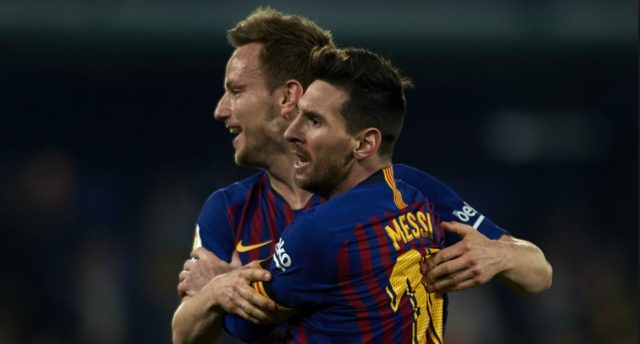 Ivan Rakitic dan Lionel Messi